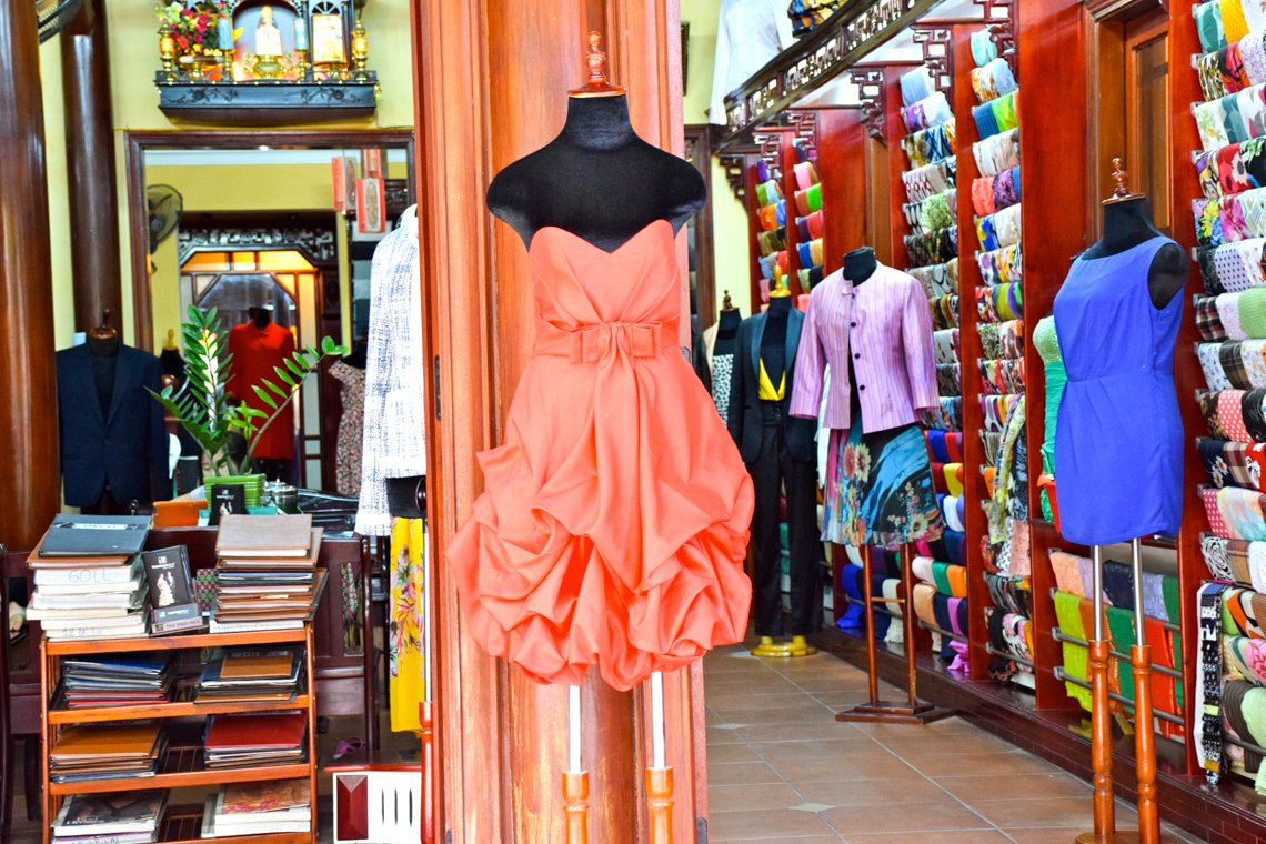 The ultimate guide for buying tailored clothes in hoi an for Tailor made dress shirts