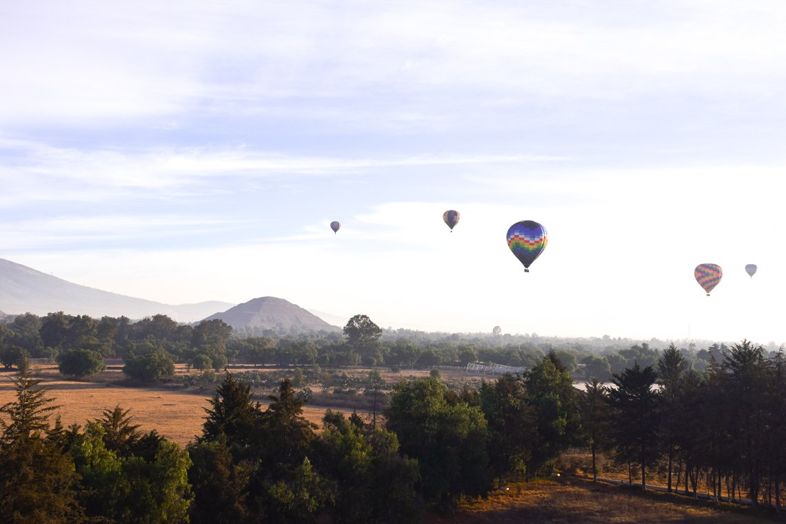 Hot Air Balloon Tour, Teotihuacan Pyramids, Mexico City