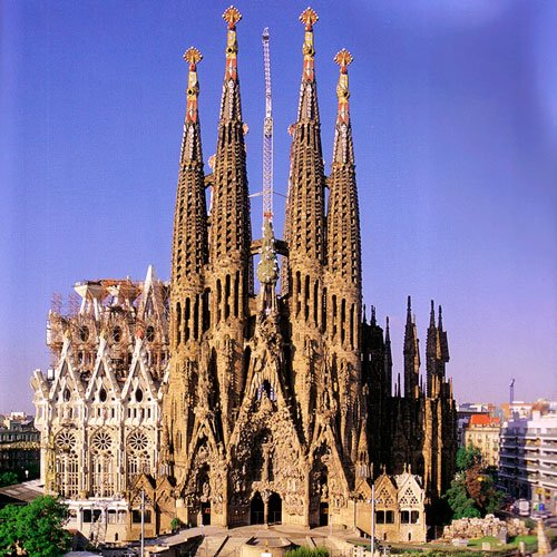 La Sagrada Familia - Antoni Gaudi Guide to Barcelona