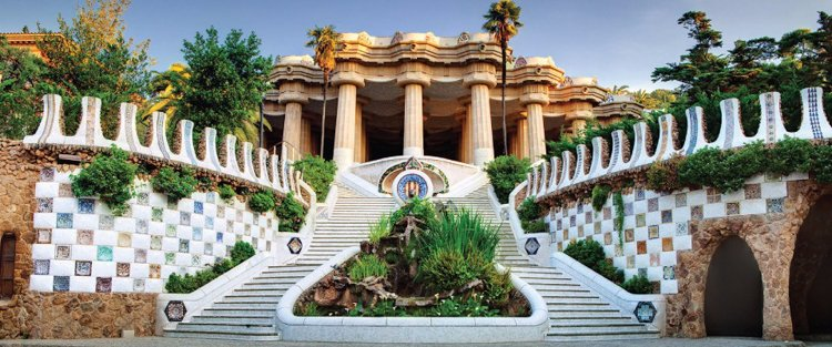 Staircase Fountain - The Ultimate Guide to Antoni Gaudi's Park Guell
