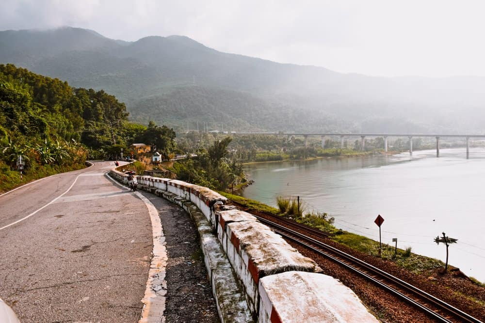 How to Travel from Hanoi to Sapa – Go by Bus or Train?